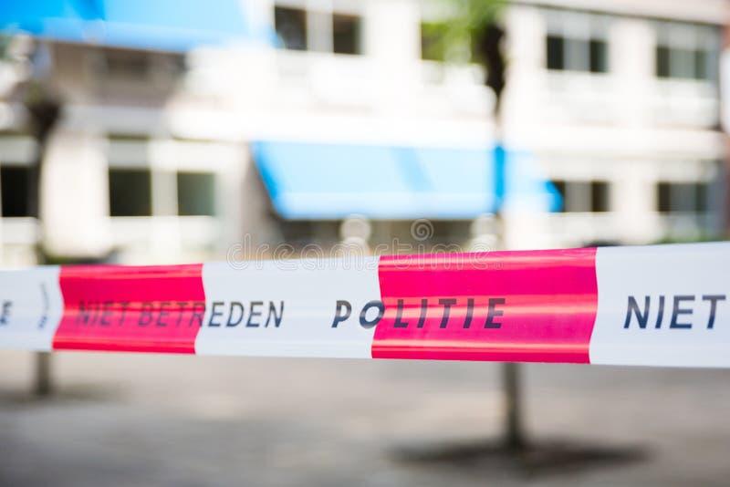 Ligne rouge néerlandaise sur les lieux d'un crime image stock