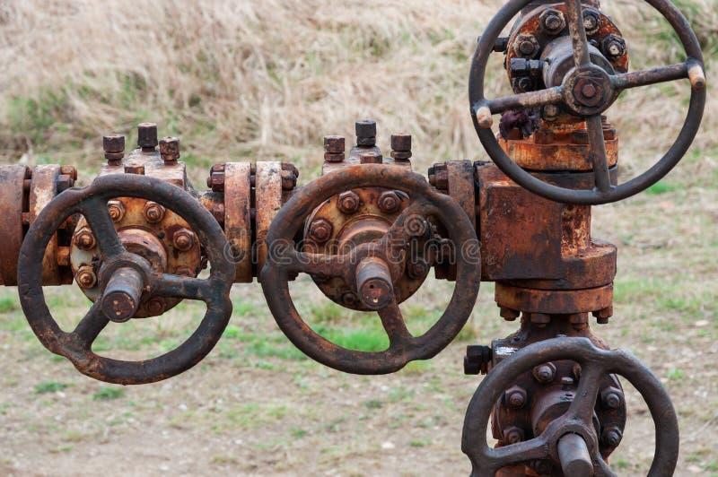 Ligne rouillée de tuyau de pétrole images libres de droits