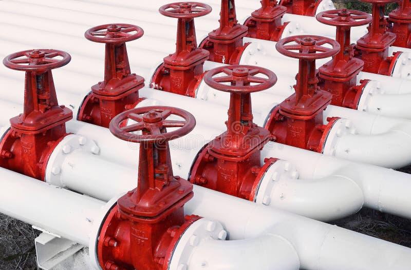 Ligne valves de tuyau de pétrole et de gaz photo stock