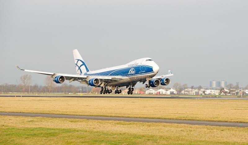 Lignes aériennes de cargaison de pont aèrien 747 428ERF images libres de droits