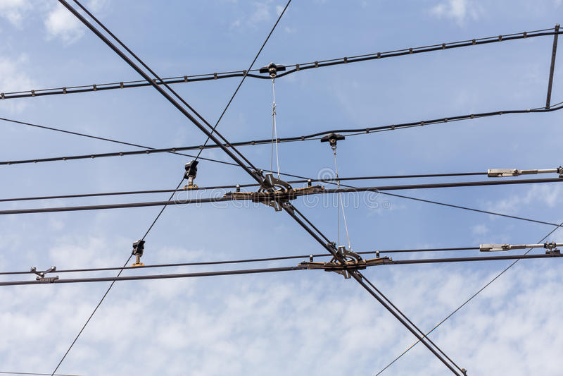 Download Lignes De Câble De L'électricité De Trolleybus De Chariot Image stock - Image du balancez, haut: 56477467