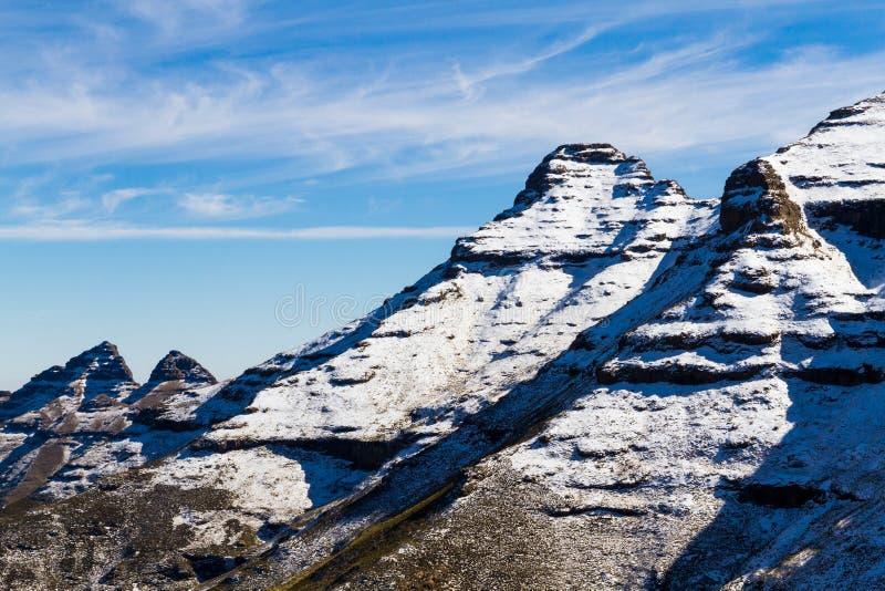 Lignes de Montagne-ciel au Lesotho image libre de droits