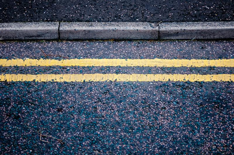 Lignes jaunes photo stock