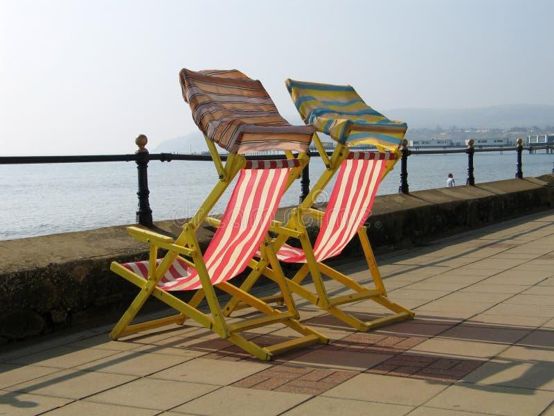 Download Ligstoelen stock afbeelding. Afbeelding bestaande uit voorwerp - 296149