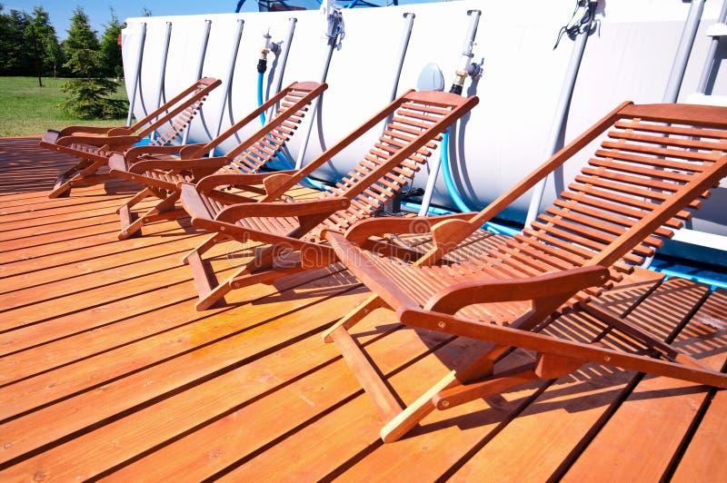 Ligstoelen stock afbeelding