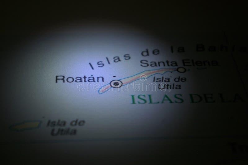 Ligth-ilumination auf einer Karte eine Honduras-Stadt Roatan lizenzfreie stockfotos