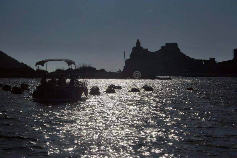 Liguria Opinión de Portovenere de la iglesia de San Pedro fotografía de archivo
