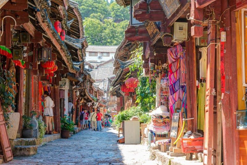 LIJIANG, CHINA - 5 DE SETEMBRO DE 2014: Cidade velha de Lijiang (mundo do UNESCO ele fotografia de stock royalty free