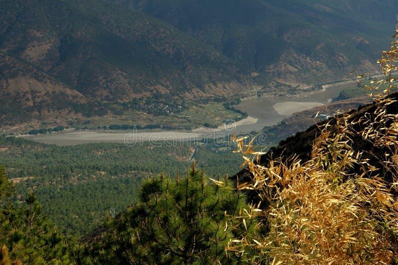 Lijiang Twp, China: De Vallei van de Rivier van Yangtze stock afbeelding