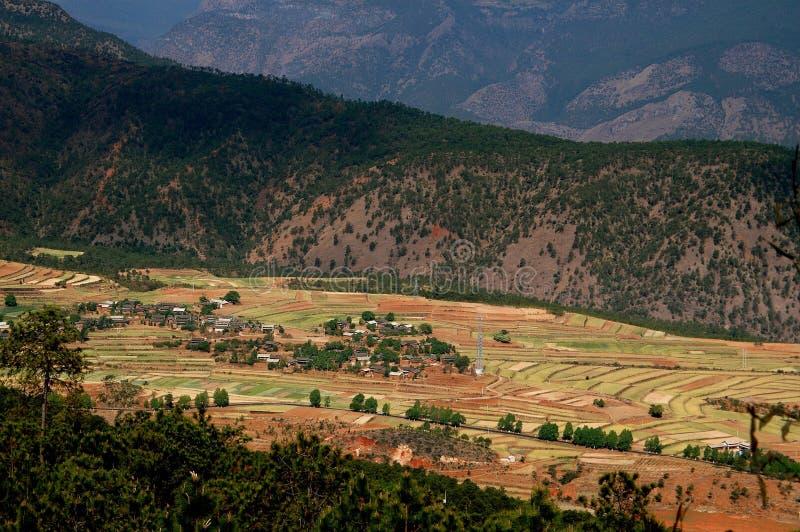 Lijiang Twp, Kina: Yangtze River Valley lantgårdar fotografering för bildbyråer