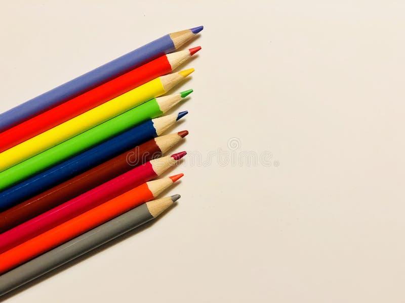 Lijn van kleurpotloden stock afbeelding