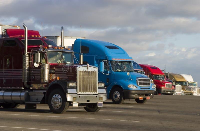 Lijn van Vrachtwagens 1 royalty-vrije stock afbeelding