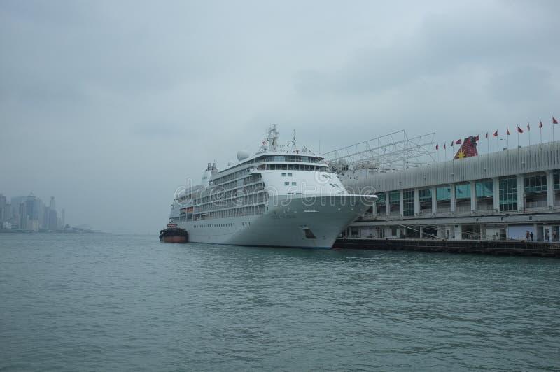 Lijnboot die in Kowloon, Hong Kong dokken stock fotografie