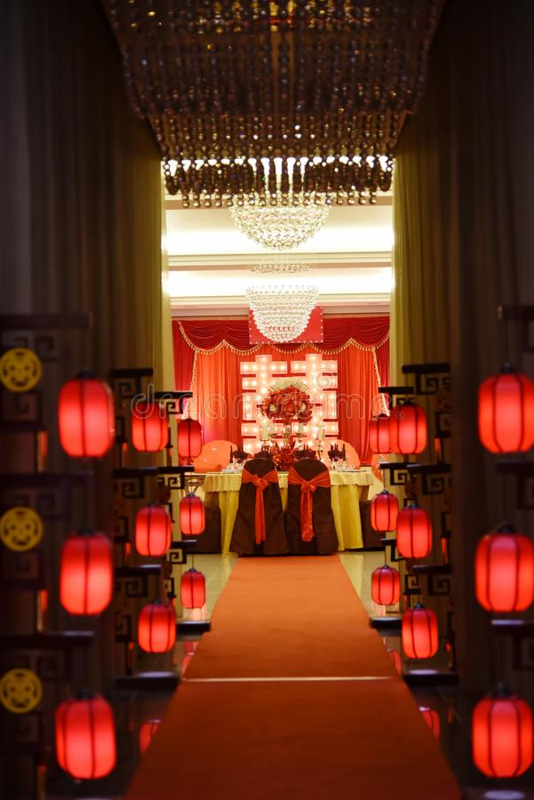 Lijst die in huwelijksbanket plaatst royalty-vrije stock fotografie