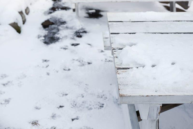 Lijst met sneeuw wordt behandeld die stock foto's