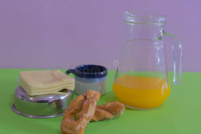 Lijst voor middagontbijt wordt gediend 03 die royalty-vrije stock foto