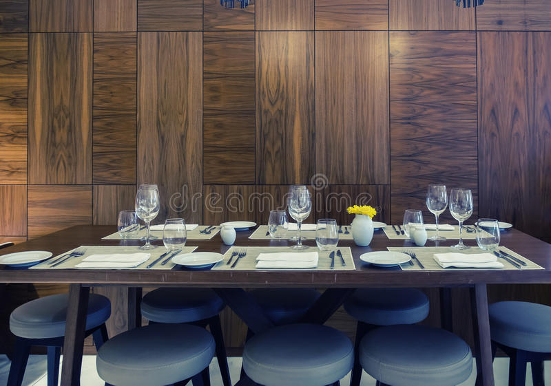 Lijsten in klassiek restaurant royalty-vrije stock foto's