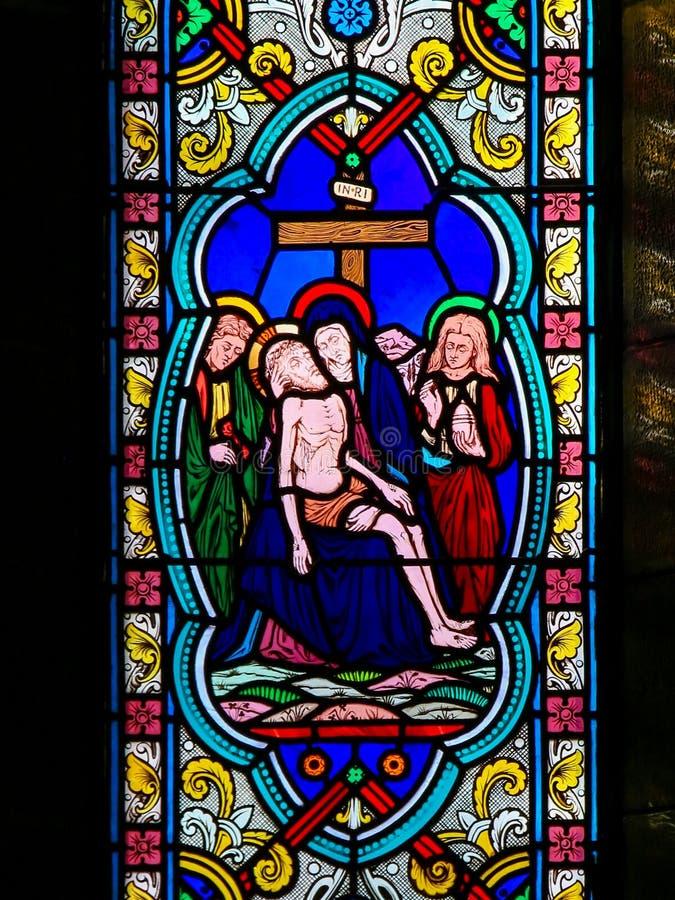 Lik av Jesus som tas från korset på varven av hans moder, oskulden Mary royaltyfri bild