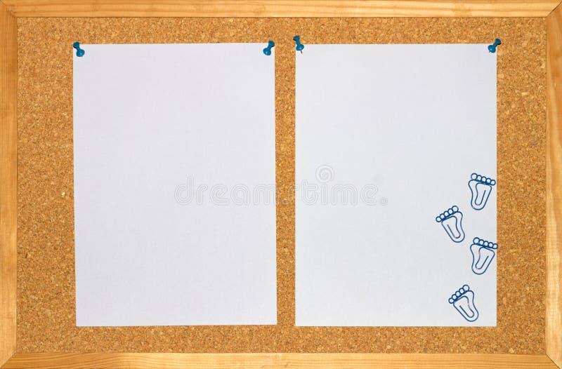 Lilac blad twee en paperclip op houten achtergrond royalty-vrije stock afbeelding