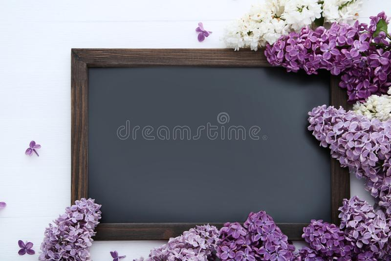 Lilac bloemen met zwart kader royalty-vrije stock foto