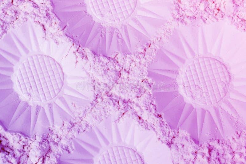 Lillà astratto e fondo blu di pendenza fatti del fiore decorativo come gli emisferi fotografia stock