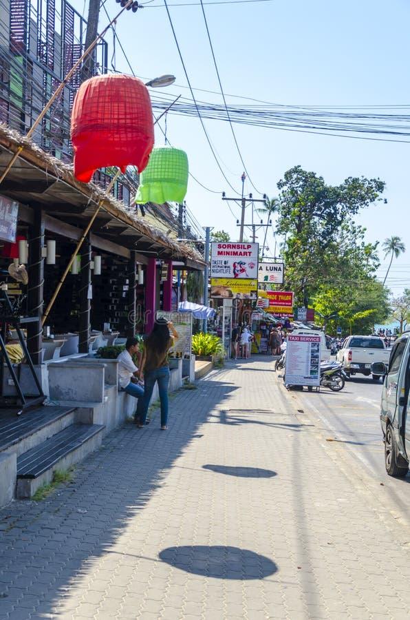 Lilla cafes och shoppar på det thailändskt fotografering för bildbyråer