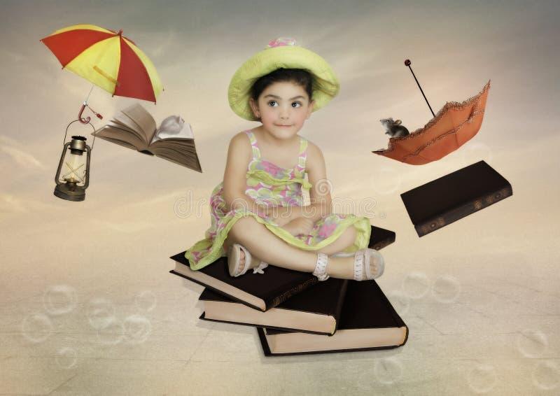 Lilla flickan med slug blick arkivfoto
