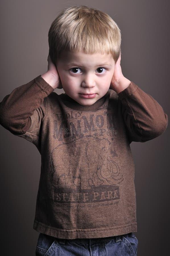 lilla stående för pojke royaltyfri bild