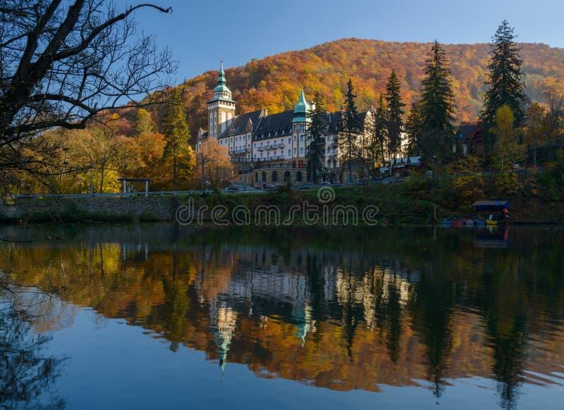 Lillafured pałac w jesieni obraz royalty free