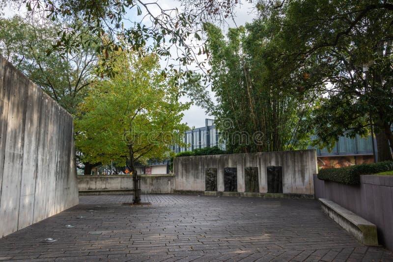 Lillie och Hugh Roy Cullen Sculpture Garden i Houston, TX arkivbilder
