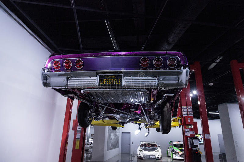Lilor och rosa färger Chevrolet Impala 1964 royaltyfri fotografi