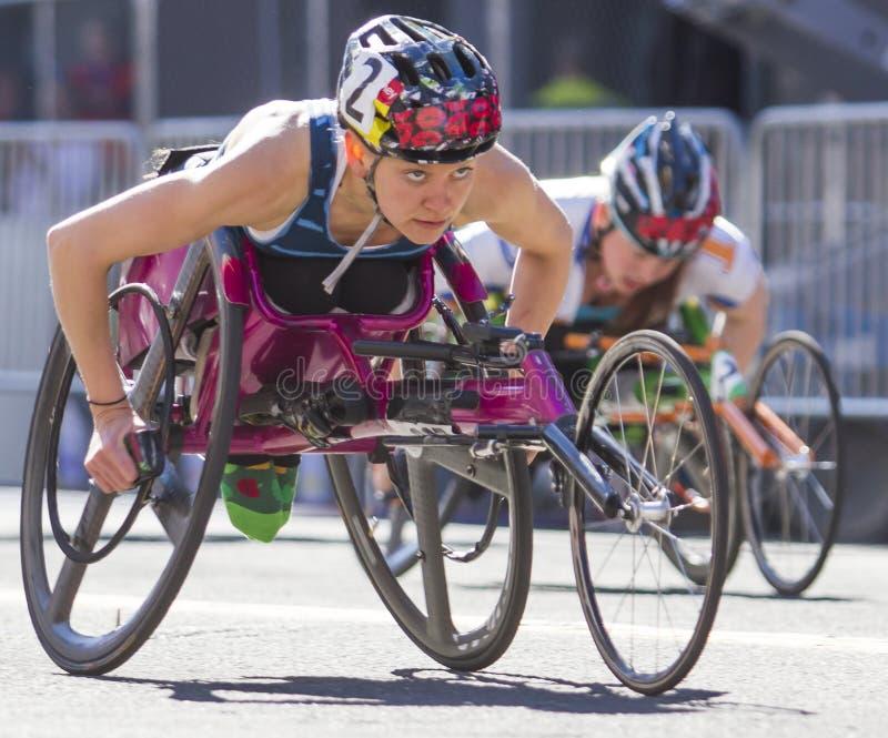 Lily Bloomsday 2013 12k Biega w Spokane WA kobiet wózka inwalidzkiego podziale obraz stock