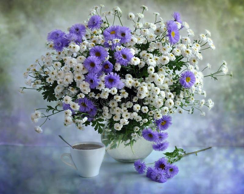 lily bukieta biel obrazy stock