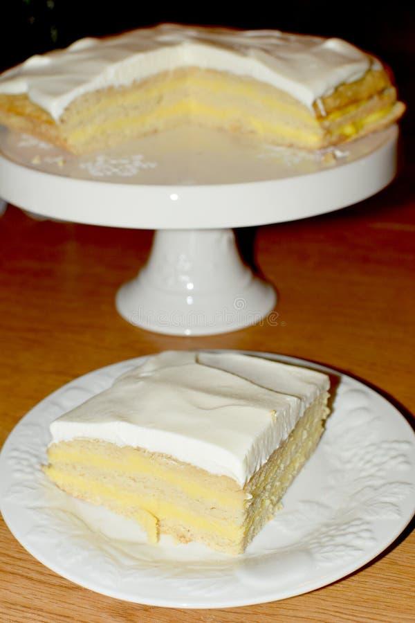 Limón Curd Layer Cake fotos de archivo