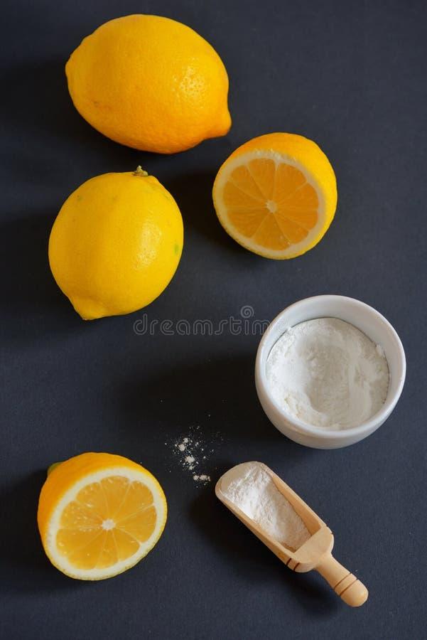 Limón y bicarbonato de sosa imagenes de archivo