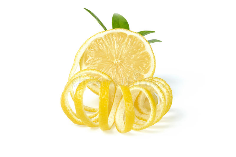 Limón y cáscara de limón frescos imagen de archivo