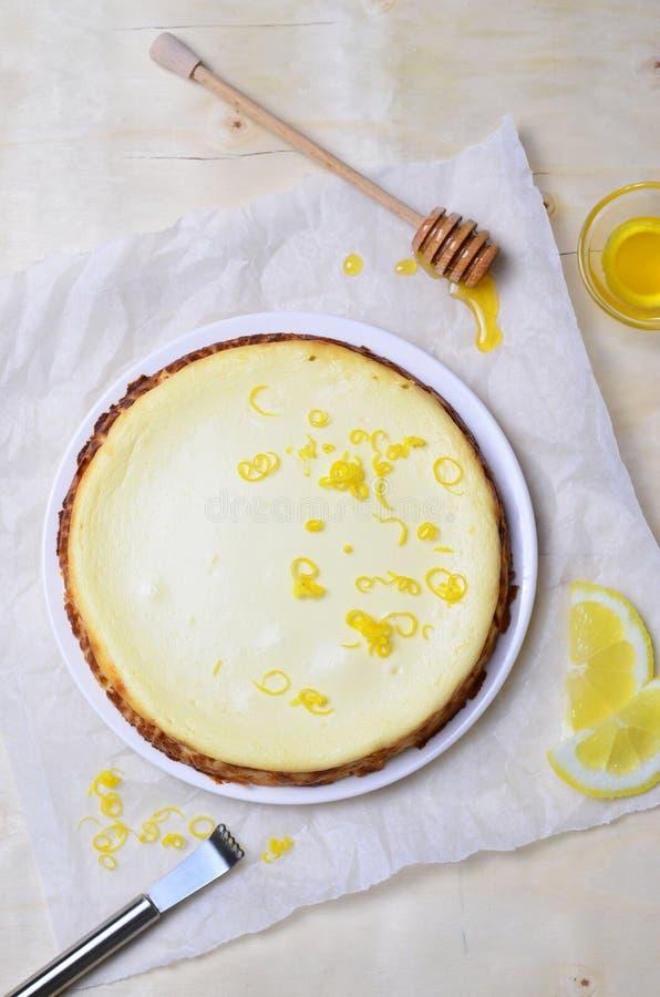 Limón y Honey Cheesecake imagen de archivo