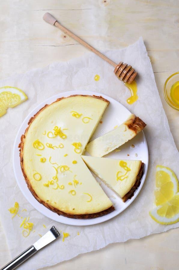 Limón y Honey Cheesecake foto de archivo