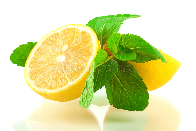 Limón y menta fotos de archivo