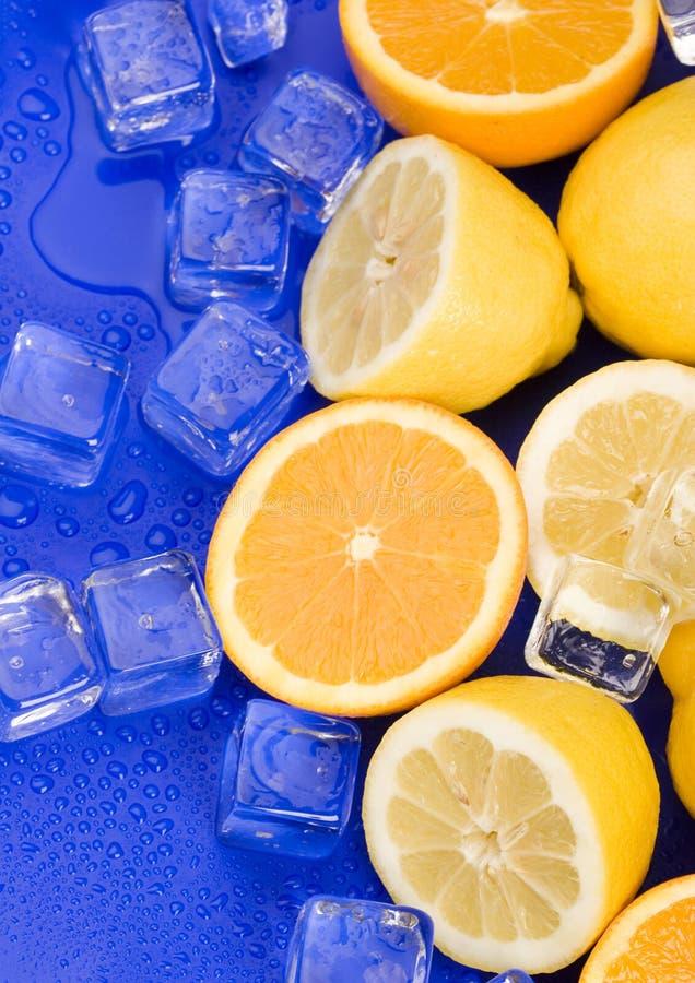 Limón y naranja imagenes de archivo