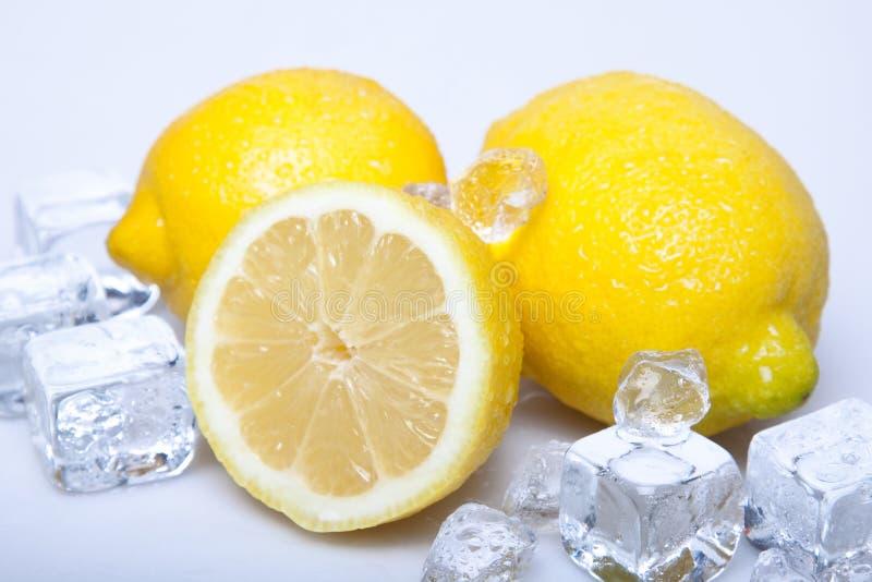 Download Limões gelados imagem de stock. Imagem de azul, tijolo - 12803857