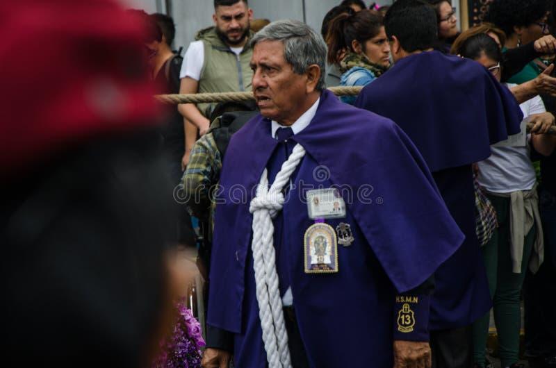 Lima, Perú - 28 de octubre de 2017: Procesión del señor de milagros fotos de archivo