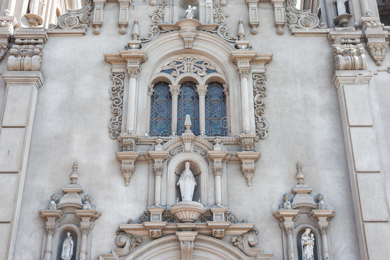 LIMA, PERU - APRIL 12, 2013: Parroquia Virgen Milagrosa Church in Lima, dicht bij Kennedy Park royalty-vrije stock foto