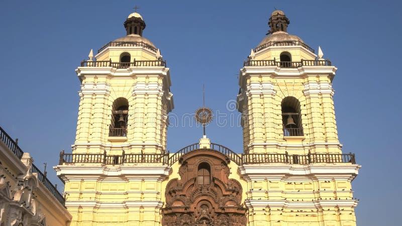 LIMA, PERU CZERWIEC, 12, 2016: popołudnie strzelał monaster San Francisco w Lima zdjęcie royalty free