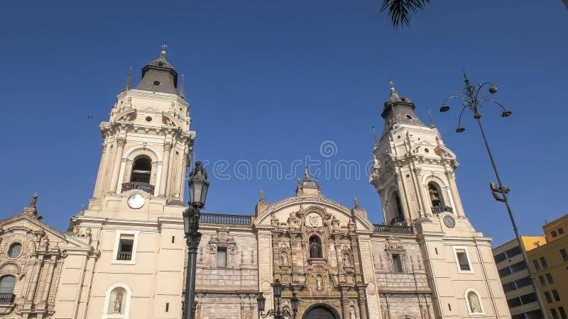 LIMA, PERU CZERWIEC, 12, 2016: zamyka strzał katedra Lima w Peru fotografia royalty free