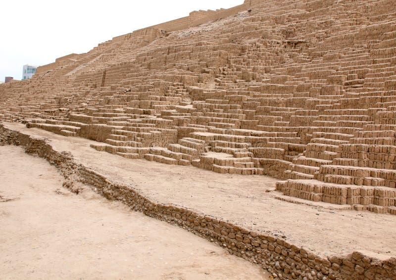 LIMA, PERU - 24 DE NOVEMBRO DE 2015: O Huaca Pucllana Lima, Peru fotografia de stock