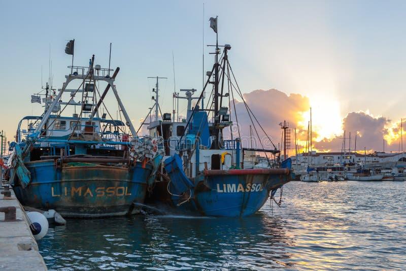 Limassol gammal port på solnedgången cyprus royaltyfri foto