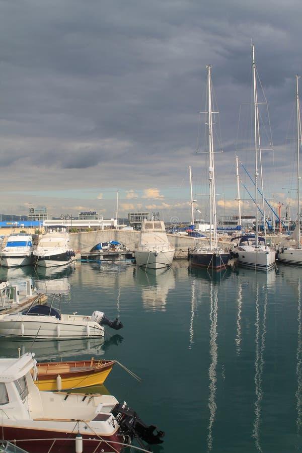 Limassol Jachthaven in December royalty-vrije stock foto