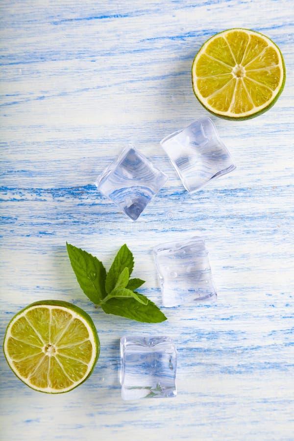 Limefrukt, is och mintkaramell arkivfoton