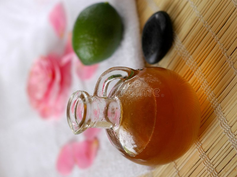 limefruktmassageolja arkivfoto